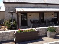 Homespun Kitchen and Bar