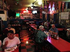 Hut's-Hamburgers-Restaurant-review-by-Rob-Balon-Austin-TX